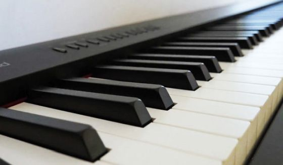roland fp-30 clavier